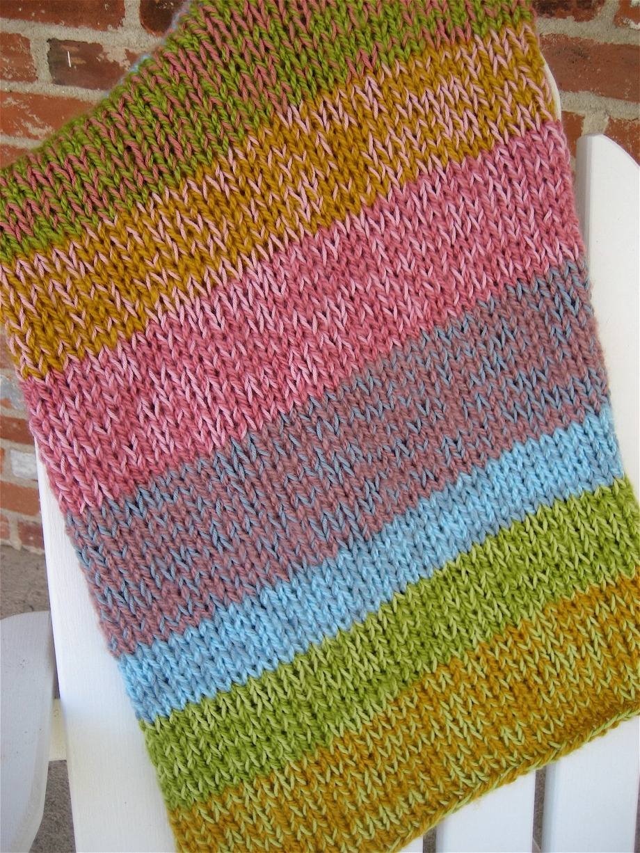 Cascading Colors – a sweet baby blanket
