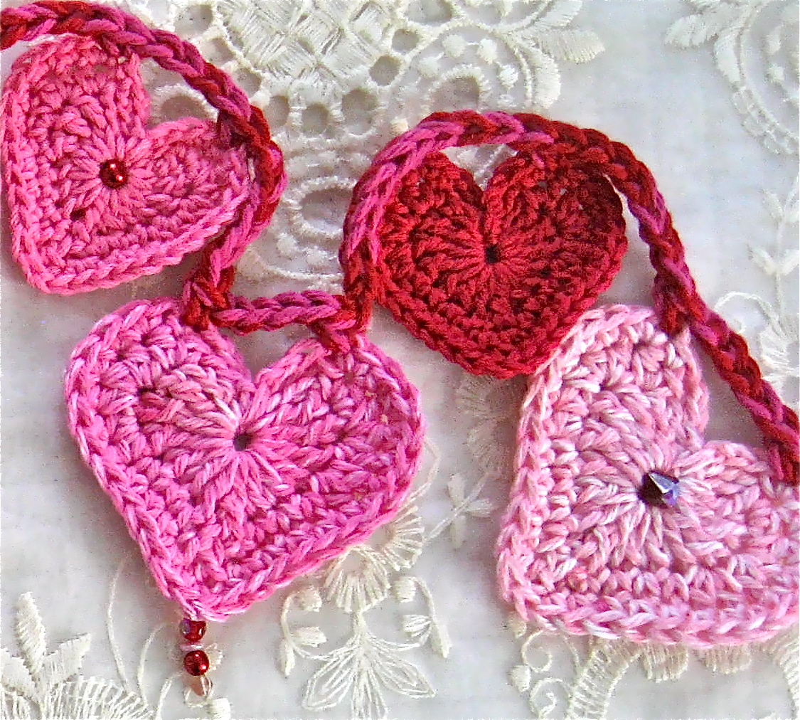 Crochet A Heart : Valentine?s Day - Crochet Heart Garland Big A, Little A