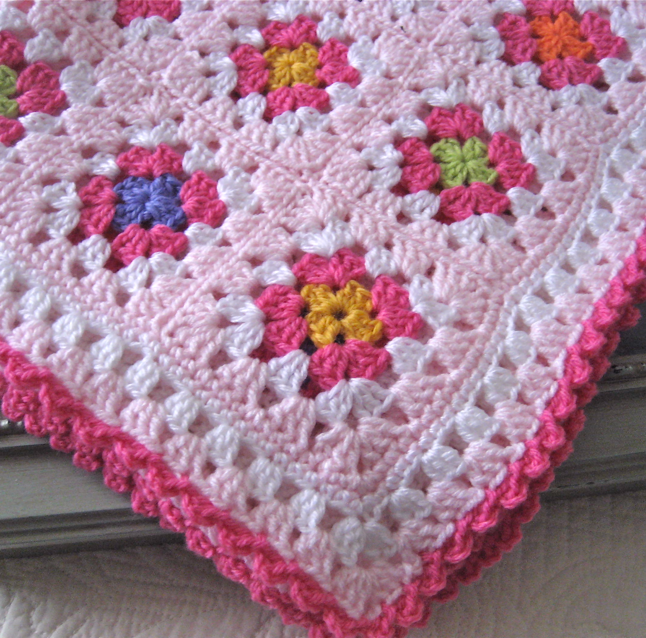 Crochet Patterns Granny Square Baby Blankets : ve decided to attack my enormous stash and turn some of that yarn ...