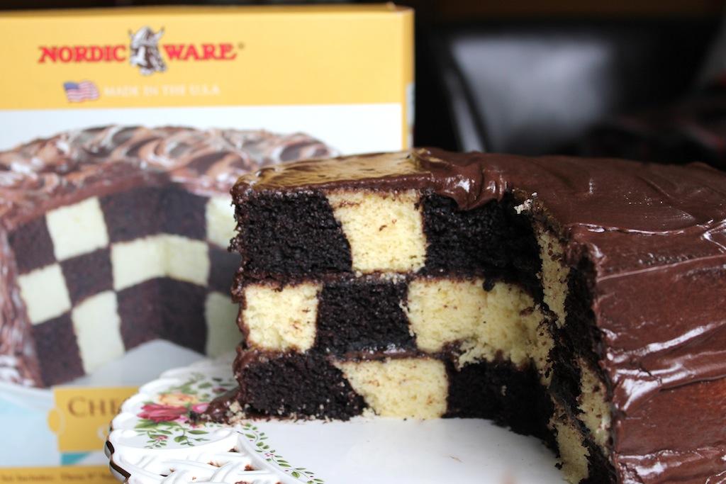Checkerboard Cake Pan Insert