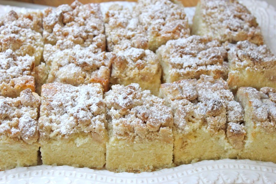 Golden Butter Crumb Cake